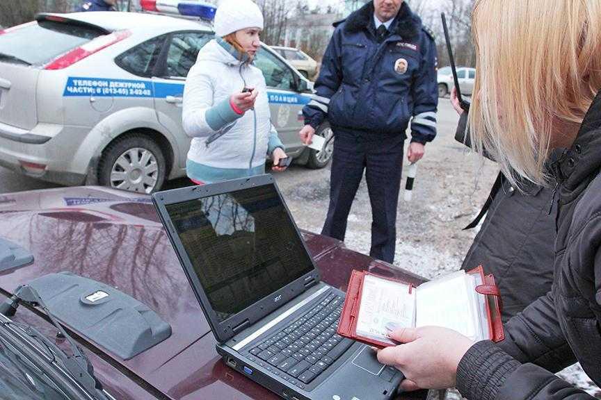 Возможна ли замена водительских прав если наложен запрет судебными приставами