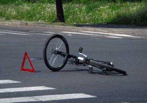 Столкновение с велосипедистом на зебре